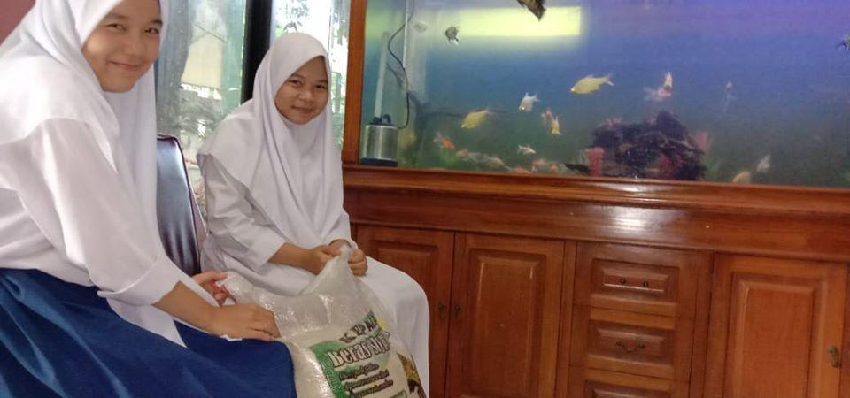 Kiriman beras donatur